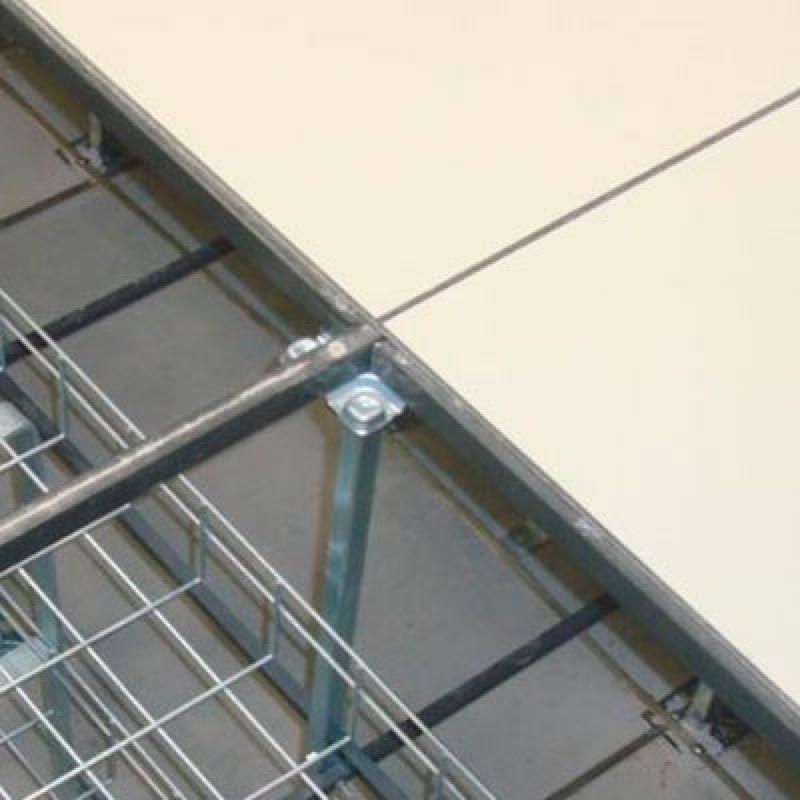 Instalação de Piso Elevado Data Center Siqueira Campos - Piso Elevado com Carpete