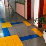 loja de piso tátil amarelo Floresta